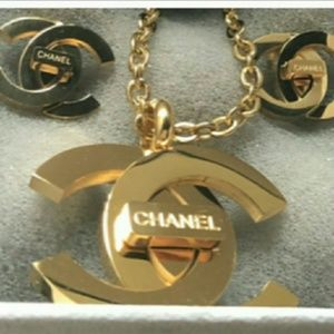 New Chanel luxurious necklace x and earring set